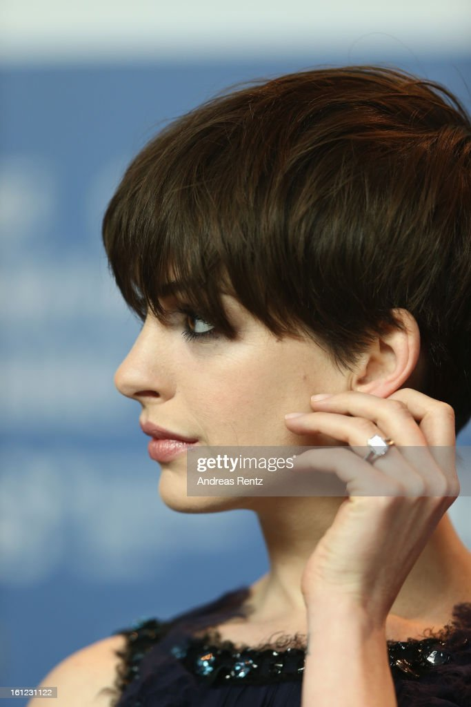<a gi-track='captionPersonalityLinkClicked' href=/galleries/search?phrase=Anne+Hathaway+-+Actress&family=editorial&specificpeople=11647173 ng-click='$event.stopPropagation()'>Anne Hathaway</a> attends the 'Les Miserables' press conference during the 63rd Berlinale International Film Festival at Grand Hyatt Hotel on February 9, 2013 in Berlin, Germany.