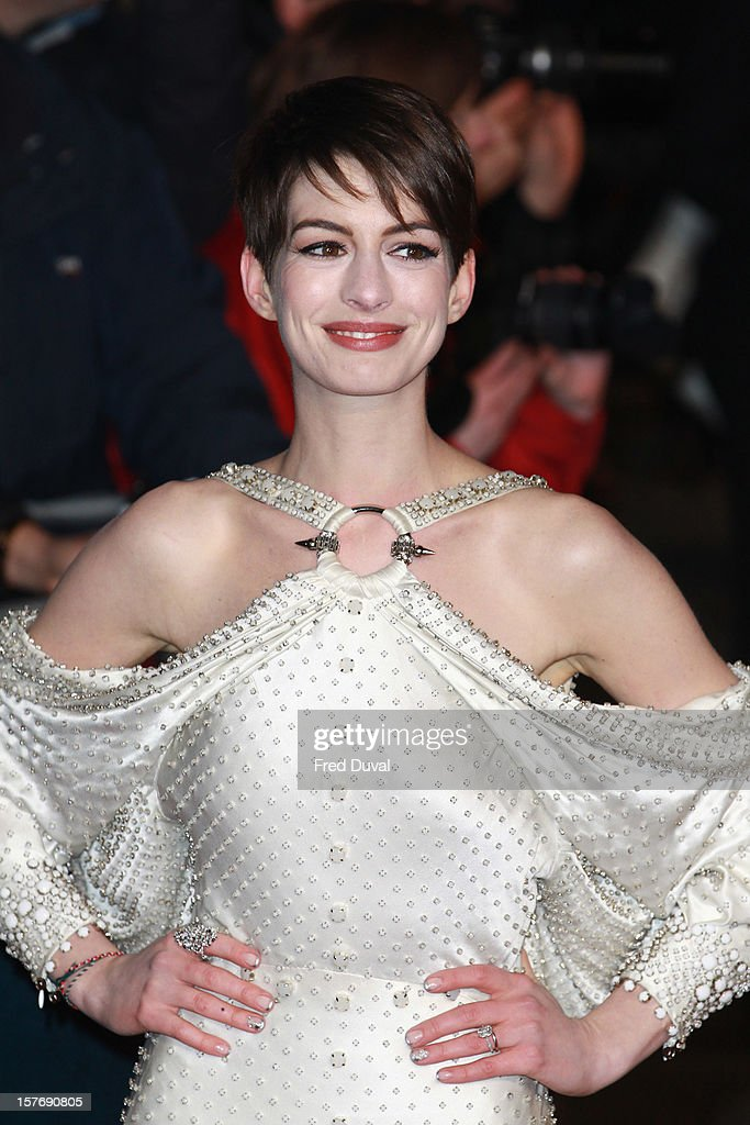 <a gi-track='captionPersonalityLinkClicked' href=/galleries/search?phrase=Anne+Hathaway+-+Actress&family=editorial&specificpeople=11647173 ng-click='$event.stopPropagation()'>Anne Hathaway</a> attends the world premiere of 'Les Miserables' at Odeon Leicester Square on December 5, 2012 in London, England.