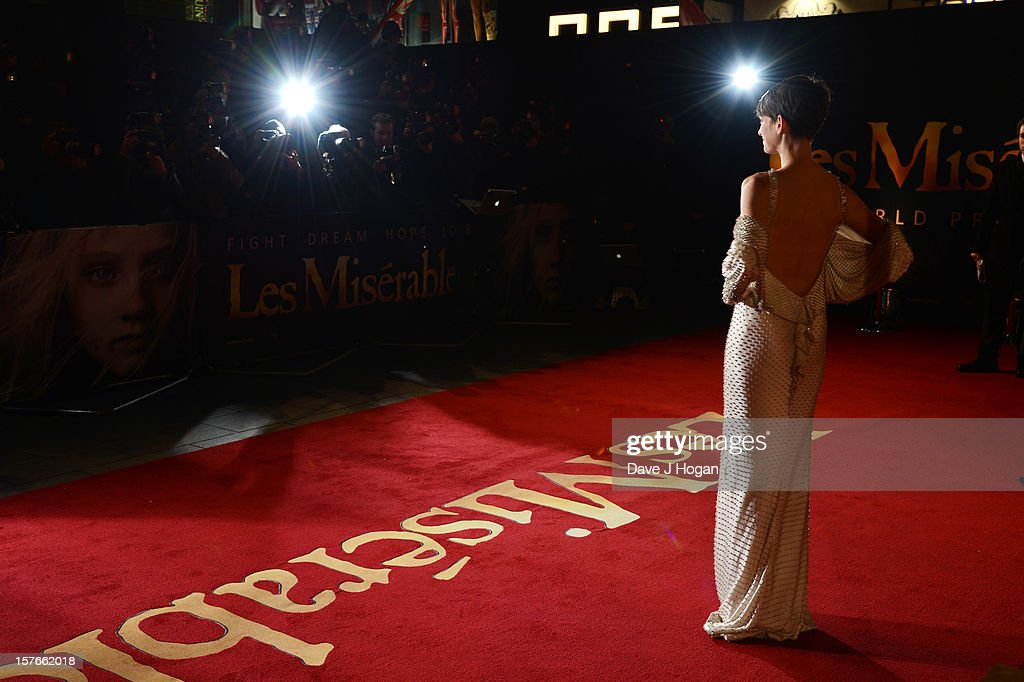 Anne Hathaway attends the world premiere of Les Miserables at The Odeon Leicester Square on December 5, 2012 in London, England.