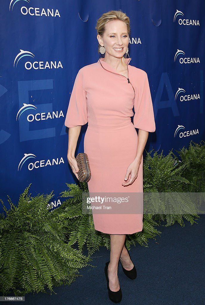 <a gi-track='captionPersonalityLinkClicked' href=/galleries/search?phrase=Anne+Heche&family=editorial&specificpeople=202988 ng-click='$event.stopPropagation()'>Anne Heche</a> arrives at the 6th Annual Oceana's Annual SeaChange Summer Party held at a private residence on August 18, 2013 in Laguna Beach, California.