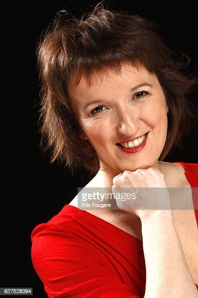 Anne Roumanoff on the set of TV show 'Esprits Libres'