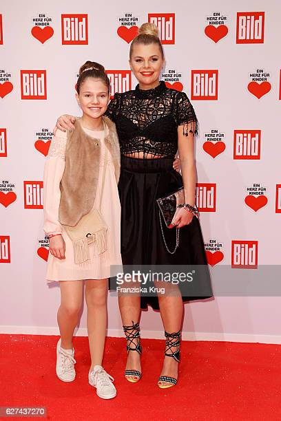 Anne Sophie Briest and her daughter Faye Montana attend the Ein Herz Fuer Kinder on December 3 2016 in Berlin Germany