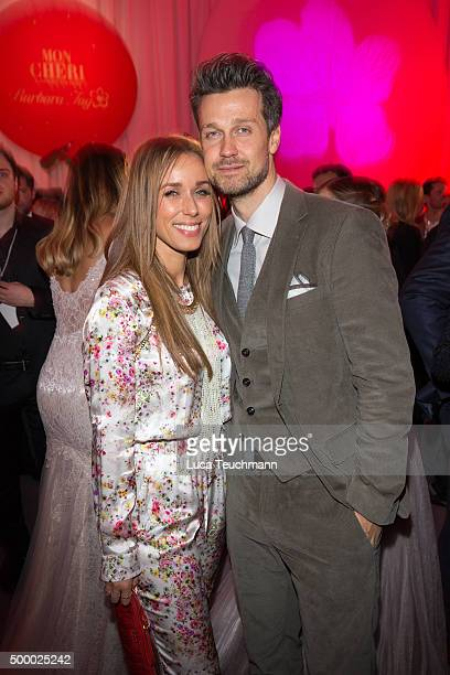 Annemarie Carpendale and Wayne Carpendale attend the Mon Cheri Barbara Tag 2015 at Postpalast on December 4 2015 in Munich Germany