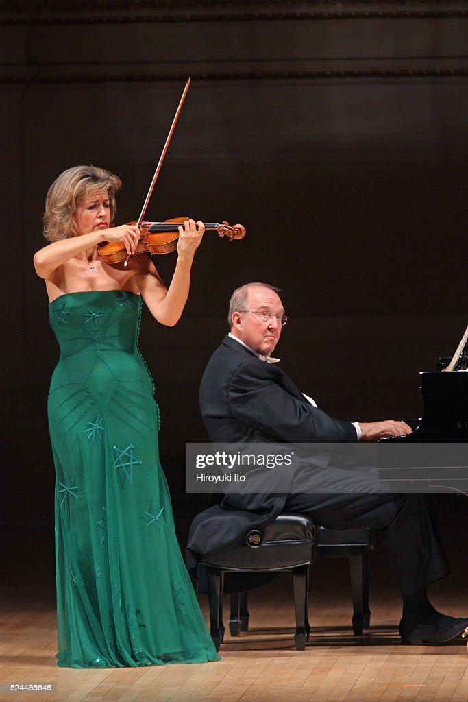 <a gi-track='captionPersonalityLinkClicked' href=/galleries/search?phrase=Anne-Sophie+Mutter&family=editorial&specificpeople=784120 ng-click='$event.stopPropagation()'>Anne-Sophie Mutter</a>, accompanied by Lambert Orkis on piano, performing the music of Previn, Franck and Beethoven at Carnegie Hall on Tuesday night, November 11, 2014.