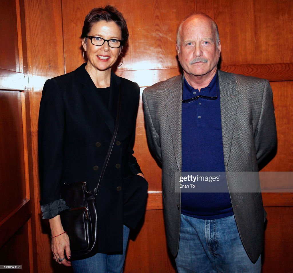 Annette Bening and Richard Dreyfuss attend Annette Bening And Kelly and Lou Gonda Host Actors Fund Cocktail Reception on November 12, 2009 in Beverly Hills, California.