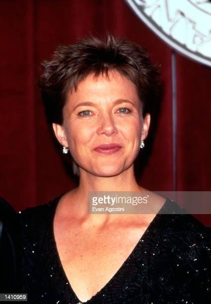 Annette Bening at the Tony Awards in New York City June 7 1998