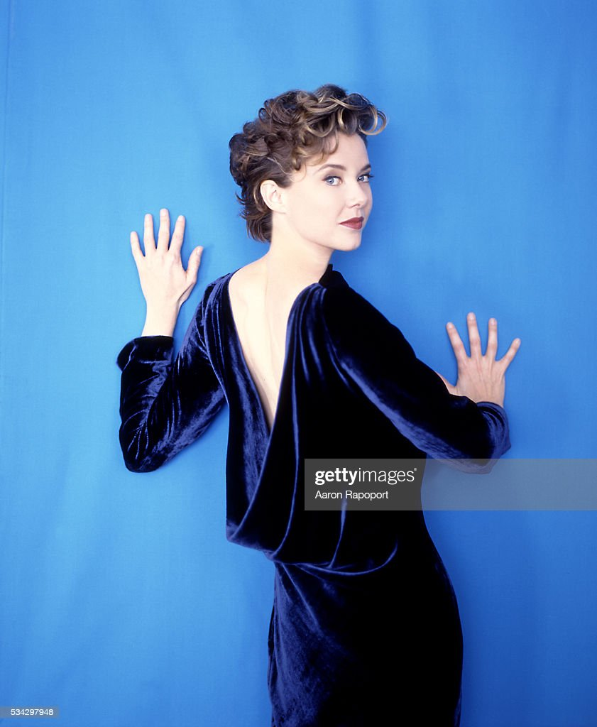 <a gi-track='captionPersonalityLinkClicked' href=/galleries/search?phrase=Annette+Bening&family=editorial&specificpeople=202568 ng-click='$event.stopPropagation()'>Annette Bening</a>