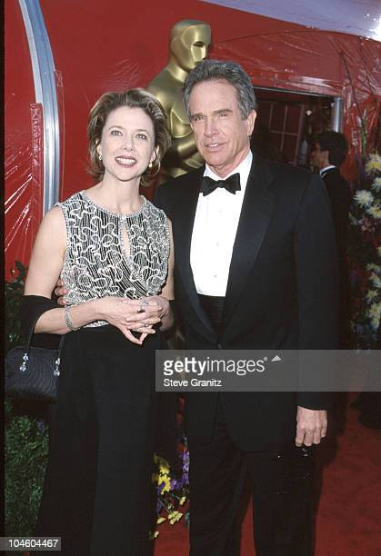 Annette Bening Warren Beatty during 71st Annual Academy Awards Arrivals at Dorothy Chandler Pavilion in Los Angeles California United States