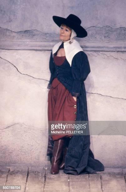 Annie Girardot dans la pièce de théâtre 'L'Avare' mise en scène par Roger Planchon à Paris le 3 mars 1986 France
