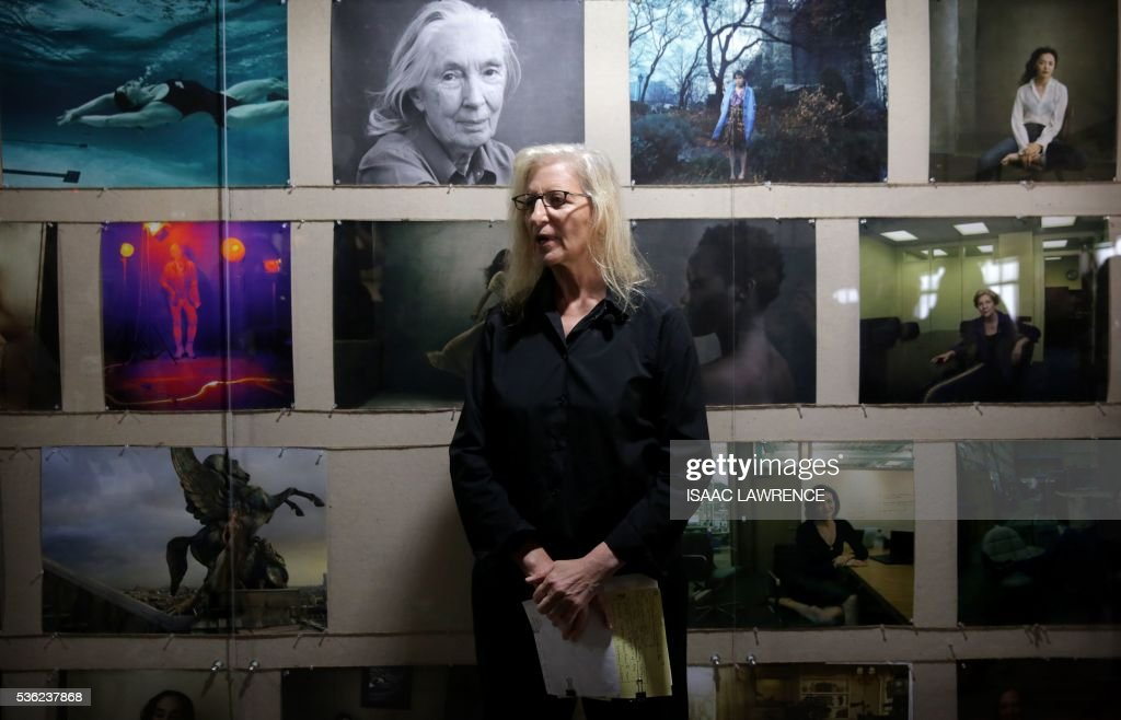 Annie Leibovitz speaks to the media about her exhibition 'women' during a press tour in Hong Kong on May 31, 2016. From dancers to corporate executives and rights campaigners, the latest show by photographer Annie Leibovitz revolves around high-flying women she says are more confident than her previous subjects -- though some still hated having their picture taken. / AFP / ISAAC