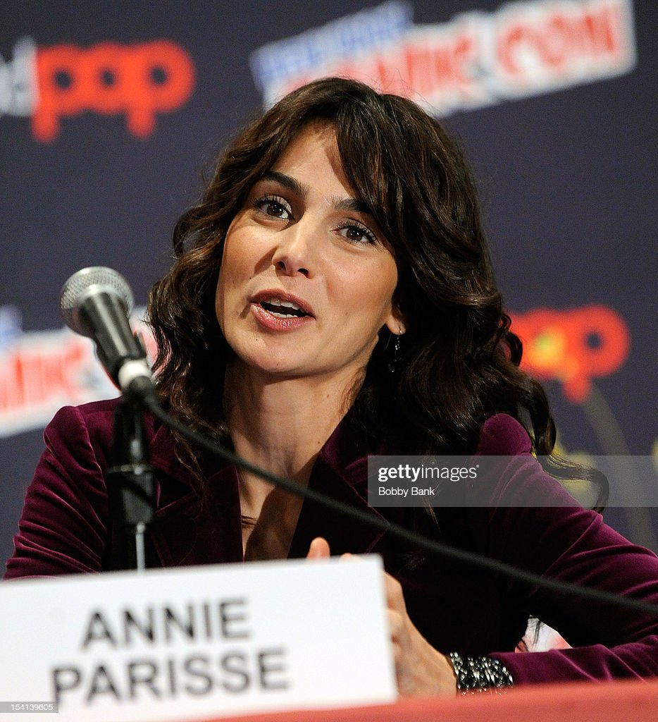 Annie Parisse attends the 'The Following Pilot Screening and Q & A' at the 2012 New York Comic Con at the Javits Center on October 14, 2012 in New York City.