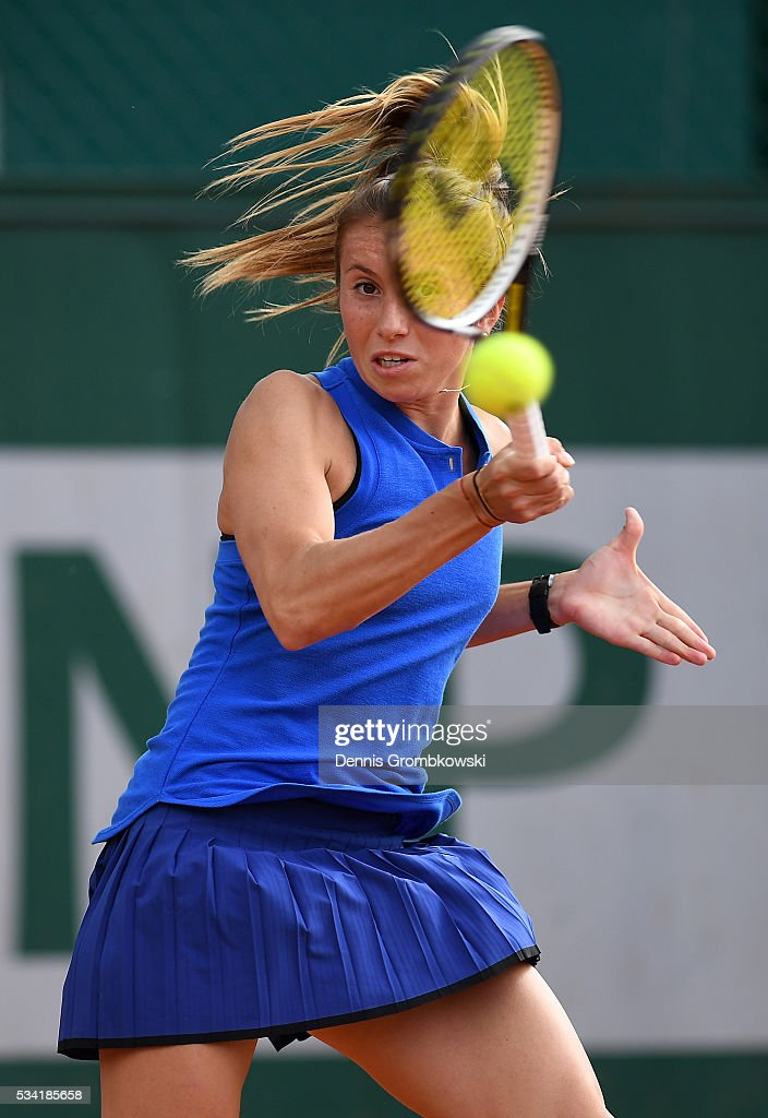<a gi-track='captionPersonalityLinkClicked' href=/galleries/search?phrase=Annika+Beck&family=editorial&specificpeople=6249693 ng-click='$event.stopPropagation()'>Annika Beck</a> of Germany plays a forehand during the Women's Singles second round match against Kateryna Bondarenko of Ukraine on day four of the 2016 French Open at Roland Garros on May 25, 2016 in Paris, France.