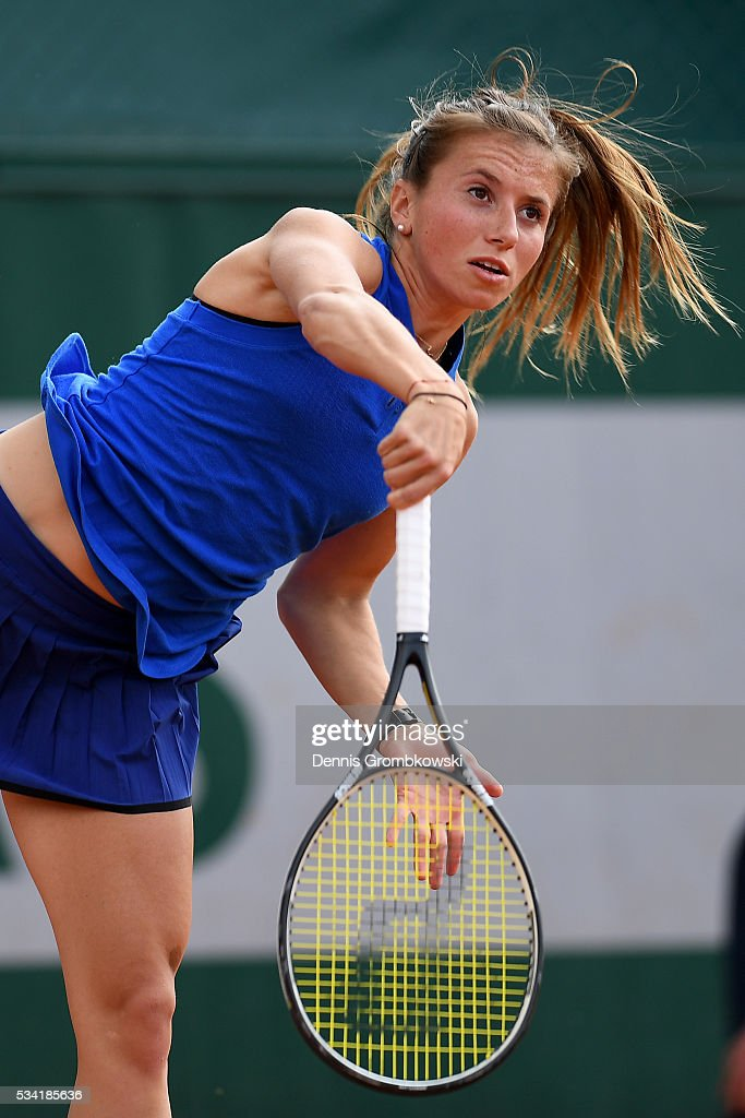 <a gi-track='captionPersonalityLinkClicked' href=/galleries/search?phrase=Annika+Beck&family=editorial&specificpeople=6249693 ng-click='$event.stopPropagation()'>Annika Beck</a> of Germany serves during the Women's Singles second round match against Kateryna Bondarenko of Ukraine on day four of the 2016 French Open at Roland Garros on May 25, 2016 in Paris, France.