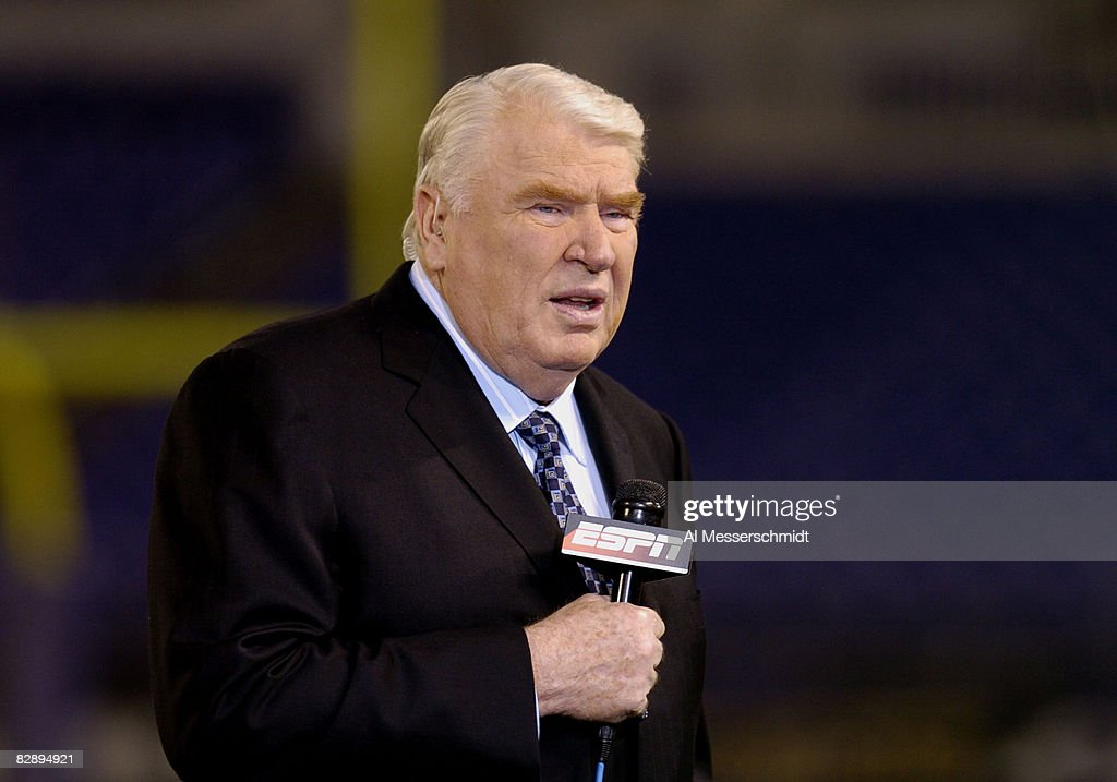 Announcer <a gi-track='captionPersonalityLinkClicked' href=/galleries/search?phrase=John+Madden+-+American+Football+Personality&family=editorial&specificpeople=14045890 ng-click='$event.stopPropagation()'>John Madden</a> provides pre-game commentary for ESPN October 4, 2004 on Monday Night Football at Baltimore, Maryland. The 0 - 3 Kansas City Chiefs defeated the Baltimore Ravens 27 - 24.