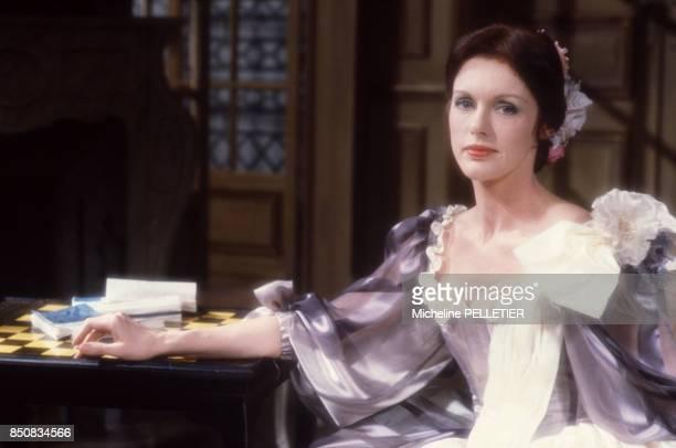 Anny Duperey en costume pour la pièce 'La Répétition' à Paris le 12 mars 1986 France