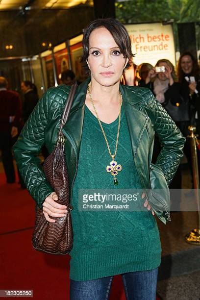 Anouschka Renzi attends the Premiere of 'Ziemlich beste Freunde' at the Komoedie am Kurfuehrstendamm on September 29 2013 in Berlin Germany