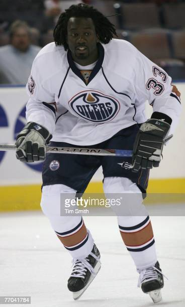 Anson Carter of the Edmonton Oilers warms up before the game against the Toronto Maple Leafs during their preseason game on September 18 2007 at...