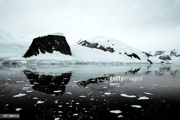 Antarktis Lemaire Channel BW