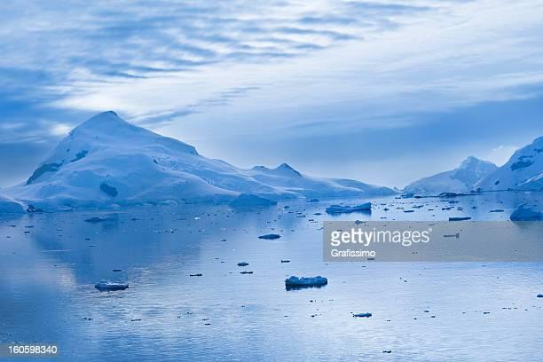 Antartide Pardise Bay all'alba