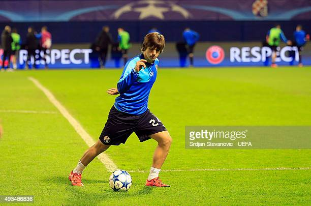 ZAGREB CROATIA OCTOBER 20 Ante Coric of Dinamo Zagreb warm up prior the UEFA Champions League Group F match between Dinamo Zagreb and Olympiacos FC...