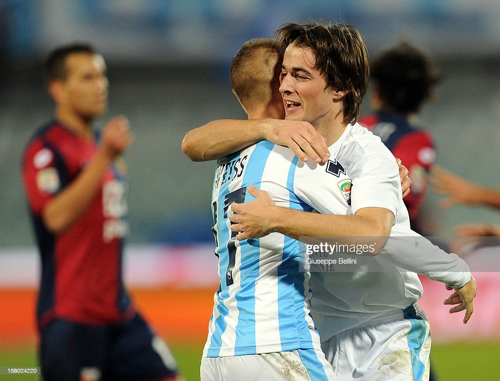 <a gi-track='captionPersonalityLinkClicked' href=/galleries/search?phrase=Ante+Vukusic&family=editorial&specificpeople=7221572 ng-click='$event.stopPropagation()'>Ante Vukusic</a> of Pescara celebrates after scoring the goal 2-0 during the Serie A match between Pescara and Genoa CFC at Adriatico Stadium on December 9, 2012 in Pescara, Italy.
