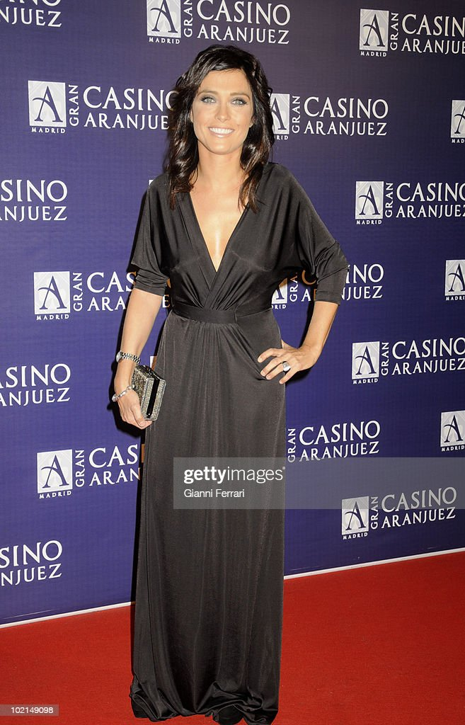 'Antennas Gold 2009', the arrival of the guests at the awards 'Golden Antenna', the newsreader Helena Rosano, 27th September 2009, 'Gran Casino de Aranjuez', Aranjuez, Spain. (Photos by Gianni Ferrari/ GettyImages