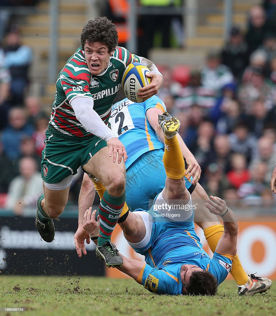 <a gi-track='captionPersonalityLinkClicked' href=/galleries/search?phrase=Anthony+Allen&family=editorial&specificpeople=542876 ng-click='$event.stopPropagation()'>Anthony Allen</a> of Leicester charges upfield during the Aviva Premiership match between Leicester Tigers and London Wasps at Welford Road on April 14, 2013 in Leicester, England.