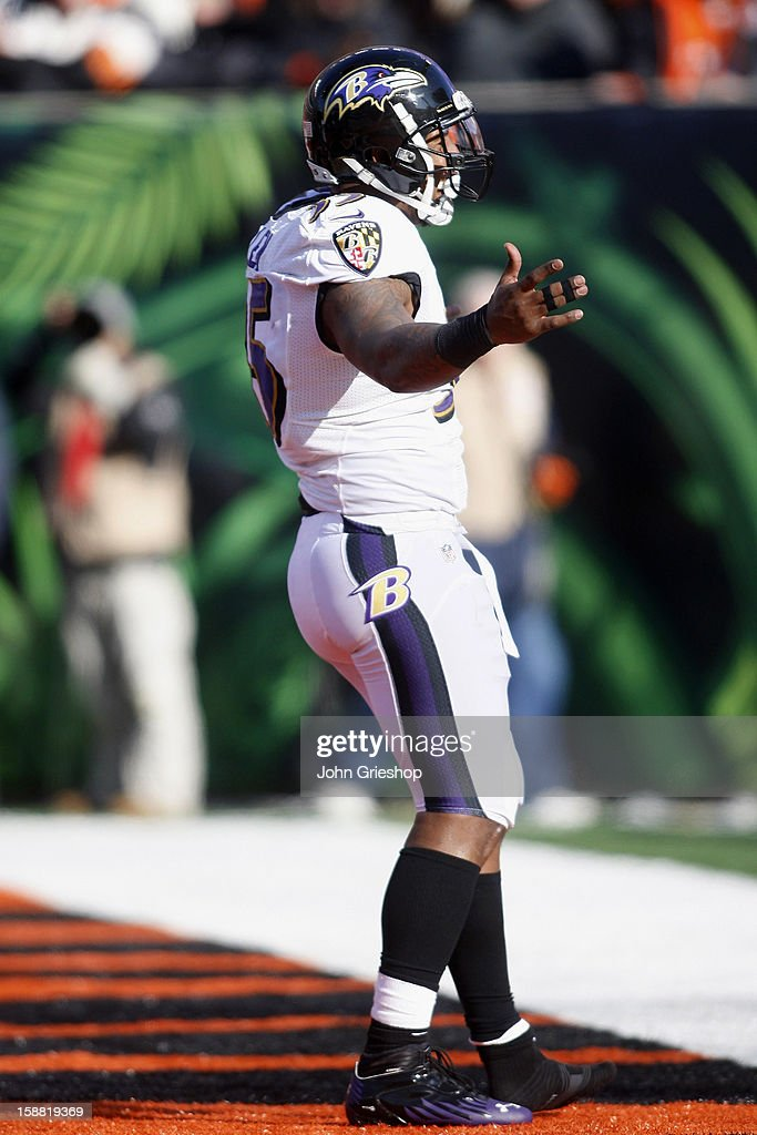 Anthony Allen #35 of the Baltimore Ravens celebrates a first half touchdown during the game against the Cincinnati Bengals at Paul Brown Stadium on December 30, 2012 in Cincinnati, Ohio. The Bengals defeated the Ravens 23-17.