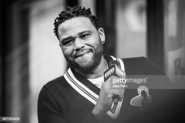 Anthony Anderson attends Build Series to discuss 'Blackish' at Build Studio on March 24 2017 in New York City