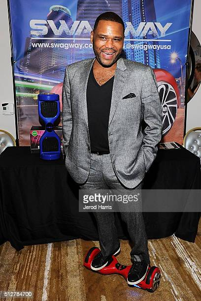 Anthony Anderson attends the GBK LifeCell 2016 Pre Oscar Lounge at The London West Hollywood on February 27 2016 in West Hollywood California