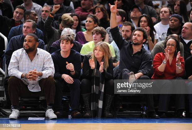 Anthony Anderson Jeremy Sisto and S Epatha Merkerson attend Sacremento Kings vs New York Knicks game at Madison Square Garden on March 20 2009 in New...