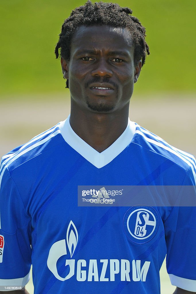 <a gi-track='captionPersonalityLinkClicked' href=/galleries/search?phrase=Anthony+Annan&family=editorial&specificpeople=646720 ng-click='$event.stopPropagation()'>Anthony Annan</a> poses during FC Schalke 04 team presentation at Glueckauf Kampfbahn on July 25, 2012 in Gelsenkirchen, Germany.