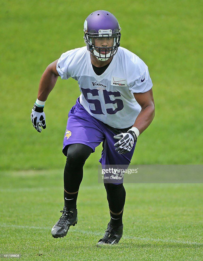 <a gi-track='captionPersonalityLinkClicked' href=/galleries/search?phrase=Anthony+Barr&family=editorial&specificpeople=7173063 ng-click='$event.stopPropagation()'>Anthony Barr</a> #55 of the Minnesota Vikings works out during Minicamp sessions at the Winter Park training facility on June 18, 2014 in Eden Prairie, Minnesota.