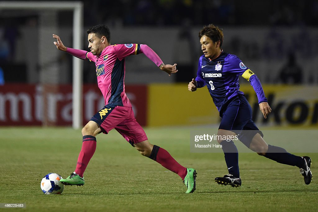 Anthony Caceres #17 of Central Coast Mariners in action during the AFC Champions League Group F match between Sanfrecce Hiroshima and Central Coast Mariners at Edion Stadiam Hiroshima on April 23, 2014 in Hiroshima, Japan.