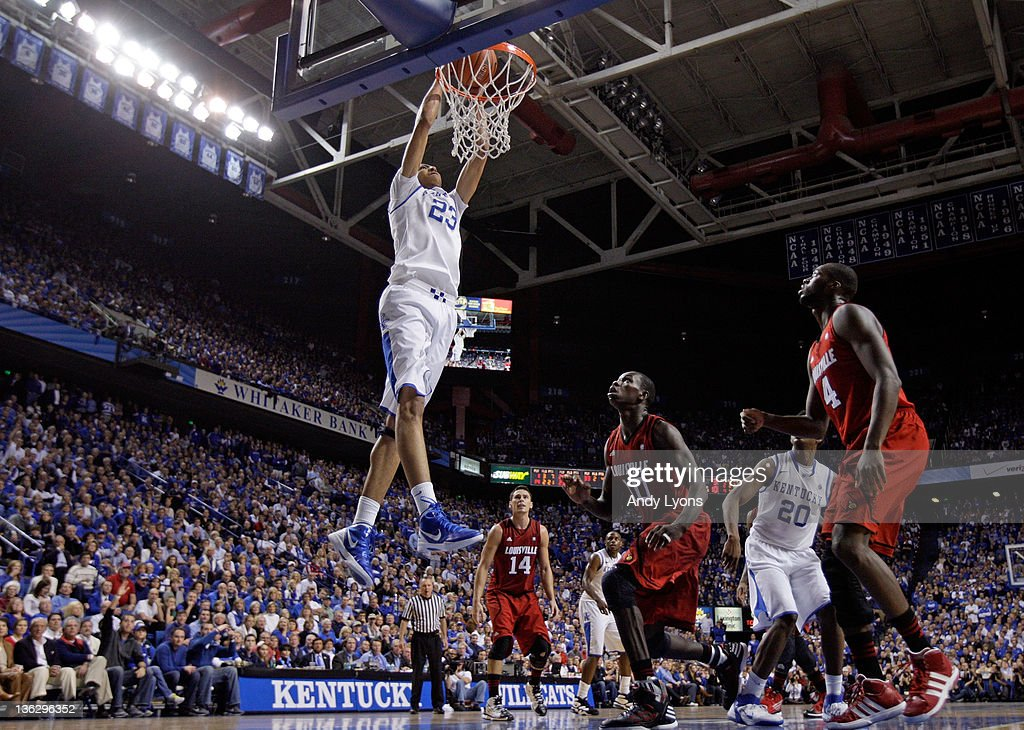 Anthony Davis #23 of the Kentucky Wildcats dunks the ball during during the game against the Louisville Cardinals at Rupp Arena on December 31, 2011 in Lexington, Kentucky.