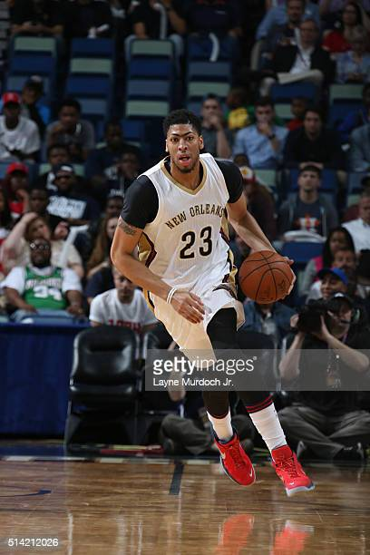 Anthony Davis of the New Orleans Pelicans brings the ball up court against the Sacramento Kings on March 7 2016 at the Smoothie King Center in New...