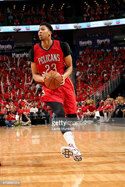 Anthony Davis of the New Orleans Pelicans drives against the Golden State Warriors in Game Three of the Western Conference Quarterfinals during the...