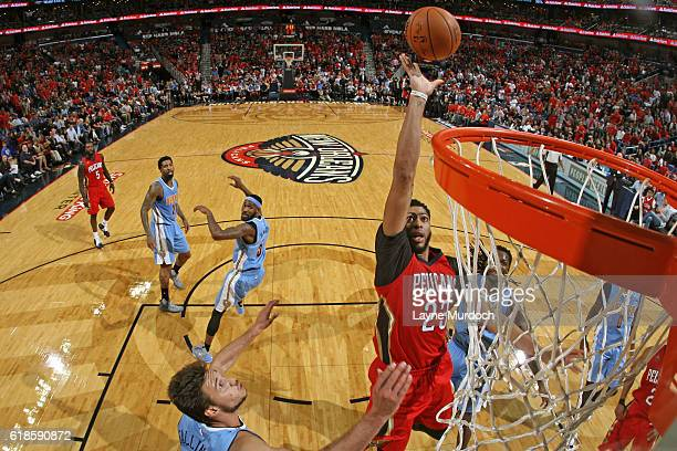 Anthony Davis of the New Orleans Pelicans drives to the basket against the Denver Nuggets on October 26 2016 at the Smoothie King Center in New...