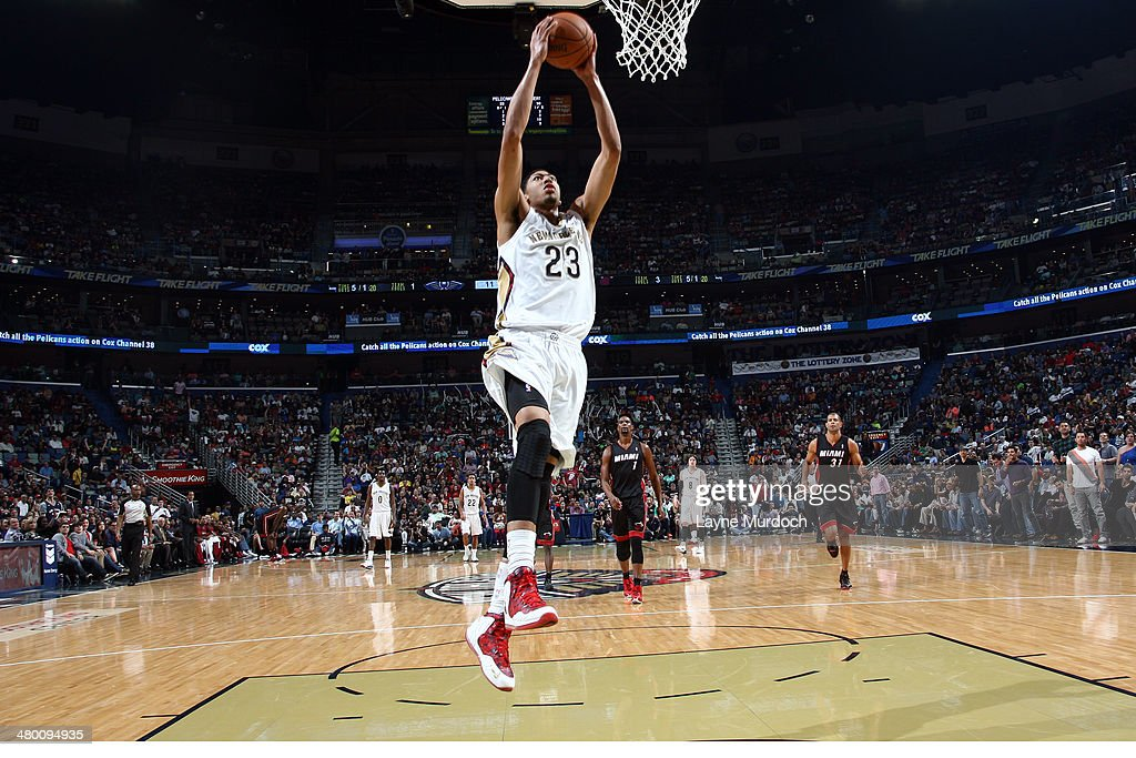 Anthony Davis #23 of the New Orleans Pelicans dunks against the Miami Heat on March 22, 2014 at the Smoothie King Center in New Orleans, Louisiana.