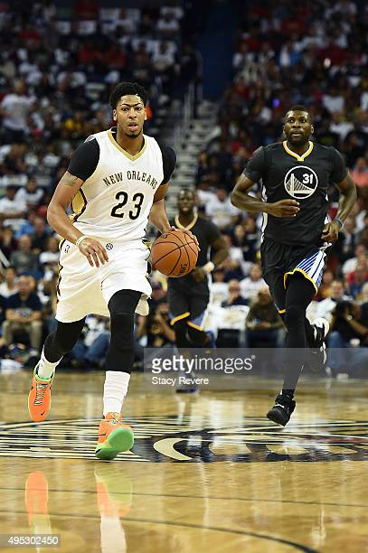 Anthony Davis of the New Orleans Pelicans handles the ball during a game against the Golden State Warriors at the Smoothie King Center on October 31...