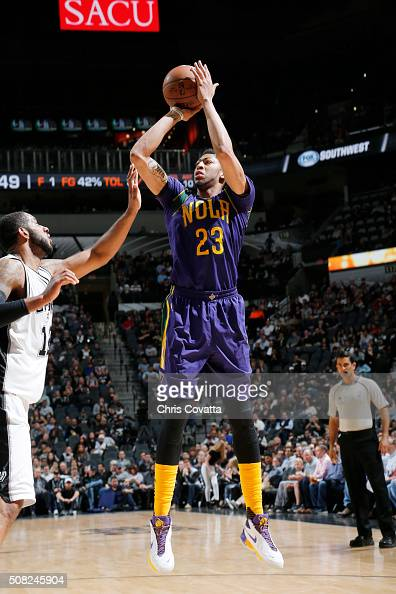 Anthony Davis of the New Orleans Pelicans shoots the ball against the San Antonio Spurs on February 3 2016 at the ATT Center in San Antonio Texas...
