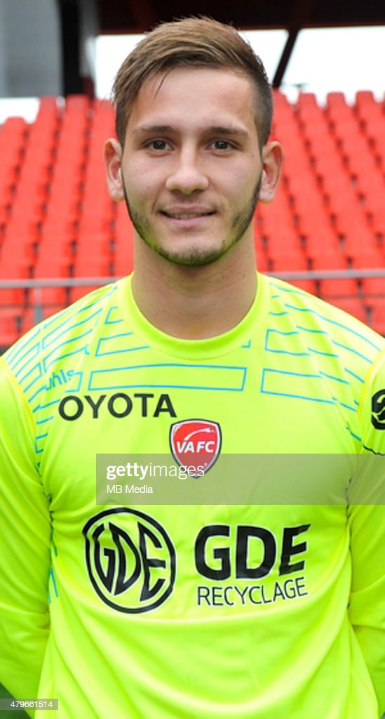 http://media.gettyimages.com/photos/anthony-dupre-19102014-portrait-officiel-valenciennes-ligue-2-photo-picture-id479661514