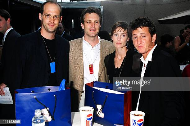 Anthony Edwards John Sykes Robin Wright Penn and Sean Penn at VH1 Honors April 29 1996