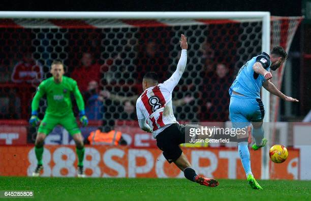Anthony Forde of Rotherham scores the 2nd Rotherham goal during the Sky Bet Championship match between Brentford and Rotherham at Griffin Park on...