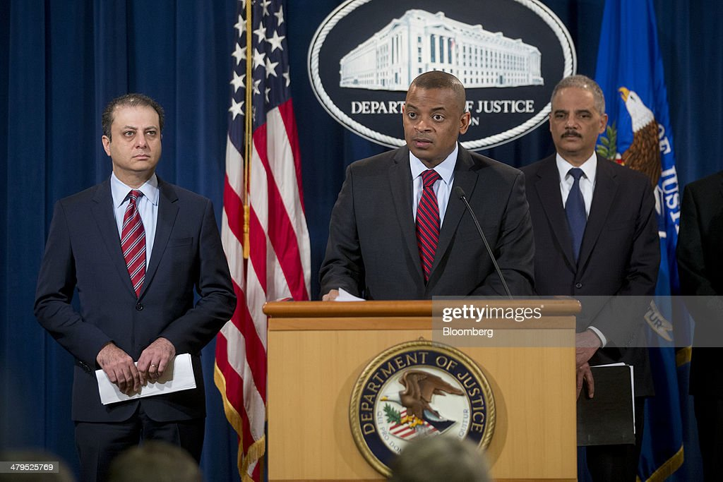 <a gi-track='captionPersonalityLinkClicked' href=/galleries/search?phrase=Anthony+Foxx&family=editorial&specificpeople=7128225 ng-click='$event.stopPropagation()'>Anthony Foxx</a>, U.S. secretary of transportation, center, speaks during a news conference with <a gi-track='captionPersonalityLinkClicked' href=/galleries/search?phrase=Eric+Holder&family=editorial&specificpeople=1060367 ng-click='$event.stopPropagation()'>Eric Holder</a>, U.S. attorney general, right, and <a gi-track='captionPersonalityLinkClicked' href=/galleries/search?phrase=Preet+Bharara&family=editorial&specificpeople=6378363 ng-click='$event.stopPropagation()'>Preet Bharara</a>, U.S. attorney for the Southern District of New York, at the Department of Justice in Washington, D.C., U.S., on Wednesday, March 19, 2014. Toyota Motor Corp. has agreed to pay a $1.2 billion penalty to end a U.S. criminal probe into sudden unintended acceleration that led to the recall of more than 10 million vehicles, the Justice Department said. Photographer: Andrew Harrer/Bloomberg via Getty Images
