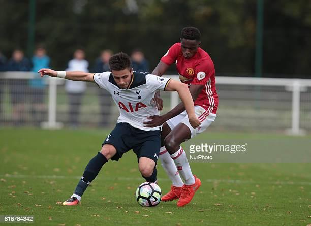 Anthony Georgiou of Tottenham Hotspur holds of Matthew Olosunde of Manchester United during Premier League 2 match between Tottenham Hotspur Under...
