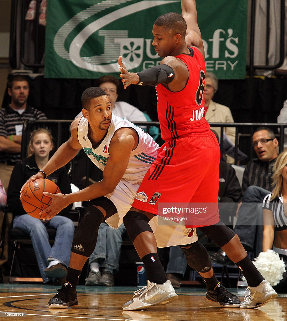 Anthony Harris #7 of the Sioux Falls Skyforce looks for help while being guarded by <a gi-track='captionPersonalityLinkClicked' href=/galleries/search?phrase=Armon+Johnson&family=editorial&specificpeople=6530698 ng-click='$event.stopPropagation()'>Armon Johnson</a> #6 of the Idaho Stampede in the first half of their game February 12, 2011 at the Sioux Falls Arena in Sioux Falls, South Dakota.