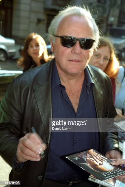 Anthony Hopkins during Anthony Hopkins appears on 'Live with Regis Kathie Lee' September 30 2002 at ABC Studios in New York City New York United...