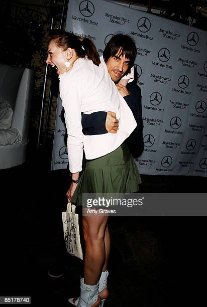 anthony kiedis and yohanna logan relationship