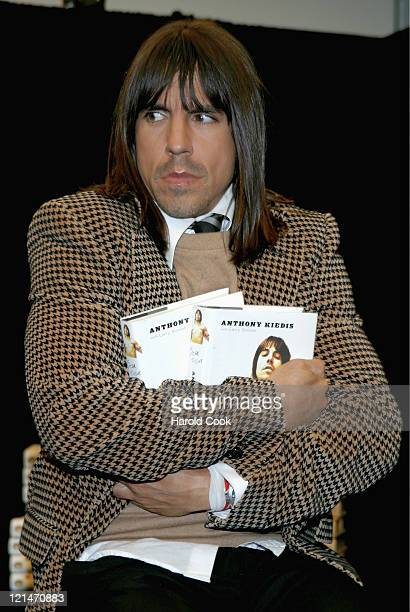 a review of scar tissue by anthony kiedis Scar tissue is the autobiography of red hot chili peppers vocalist anthony kiedis the book follows kiedis' life from by dubceereviews.